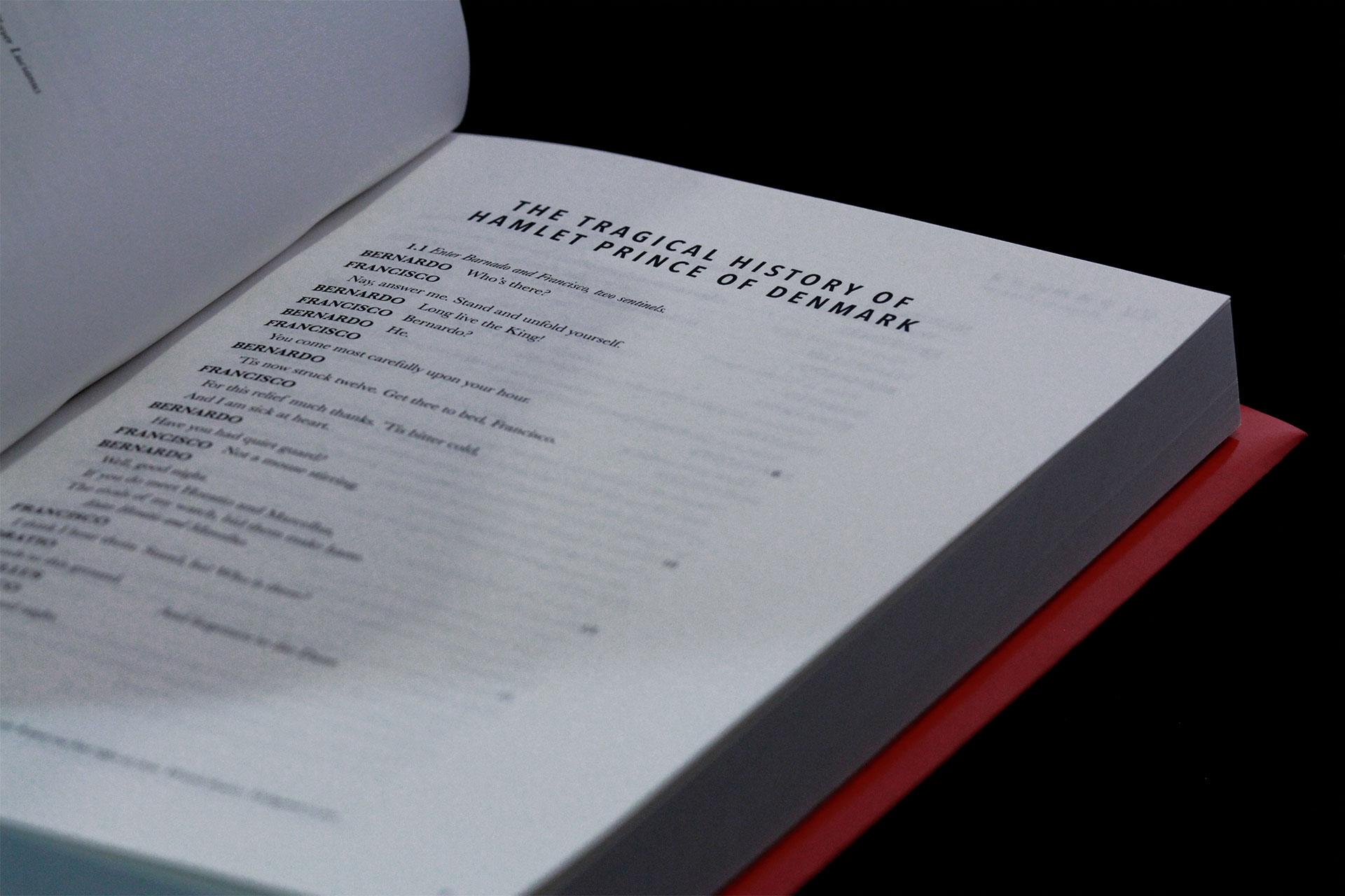 4-Hamlet-Inside3